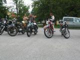 historické motorky před knihovnou v Čakovci