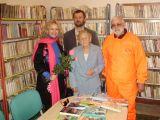 zleva-herečka paní Asterová, starosta, knihovnice paní Čermáková, cestovatel a spisovatel pan Hošťálek