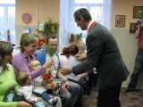 starosta vítá do života v obci Vojtěcha Tušla z Čakova